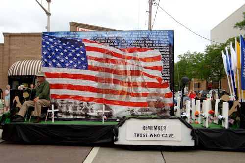 Memorial Day 2010 - Vets Float