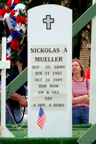 Memorial Day 2010 - Float Detail