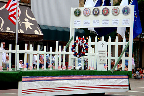 Memorial Day 2010 - Hero Float