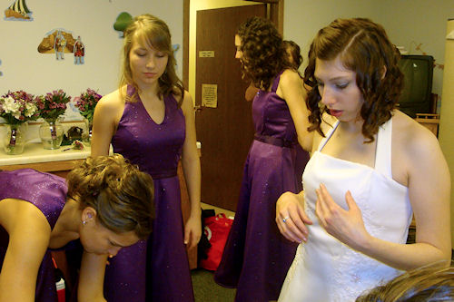 Wedding - Bridesmaids Prepare