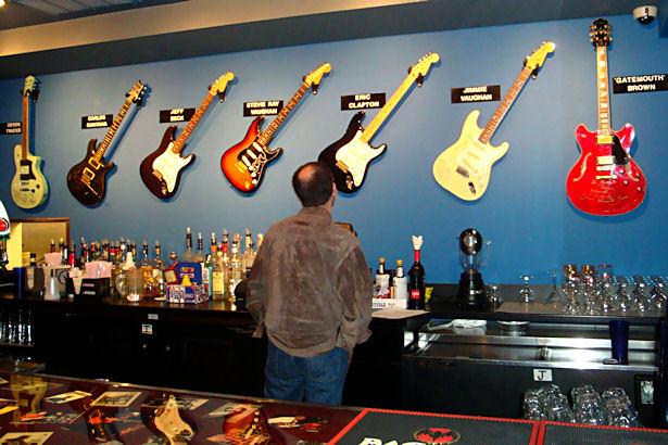 Chicago 2011 - Buddy Guy's Guitars