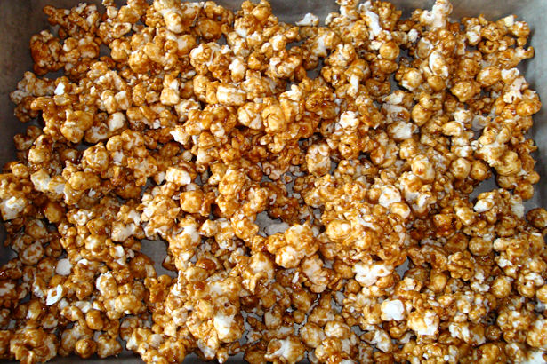 Microwave Caramel Corn Recipe - Cool