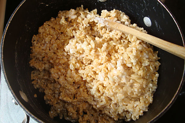Rice Krispie Treats Recipe - Cereal in Pot
