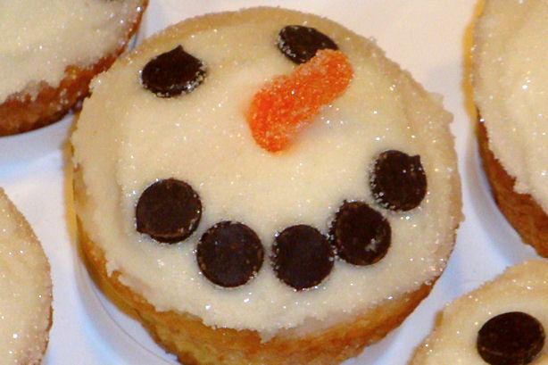 Smiling Snowman Cupcake