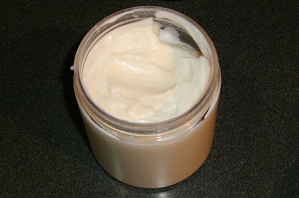 Best Eczema Cream - Ezcema Cream Container