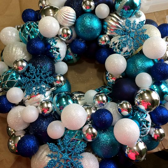 How to Make an Ornament Wreath - Done?