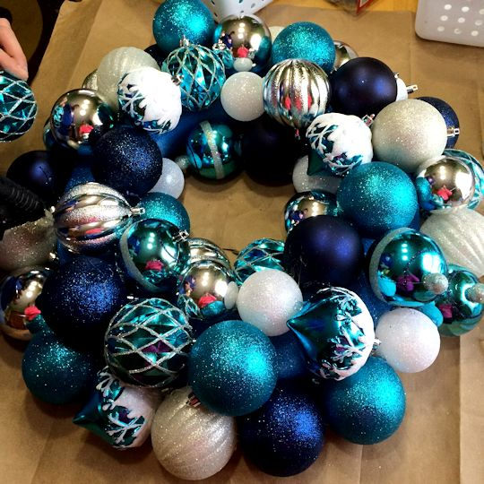 How to Make an Ornament Wreath - Working on the Middle
