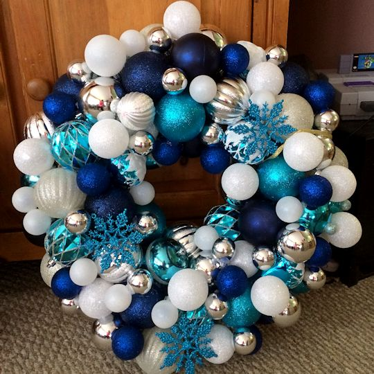How to Make an Ornament Wreath -