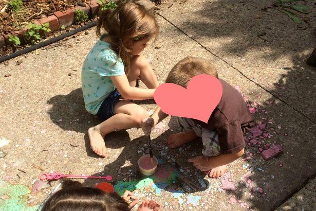 Make Sidewalk Chalk Paint - Everyone Painting