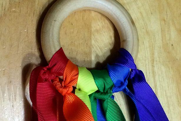 Make Waldorf Hand Kite - Ribbons Tied On