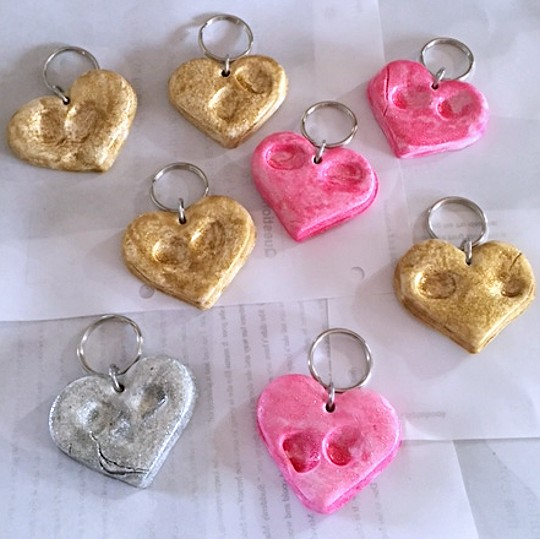 Mothers Day Craft Heart-Thumbprint Keychain - Done