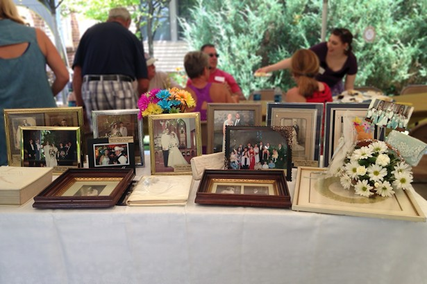 Anniversary Picnic - Wedding Photo Table