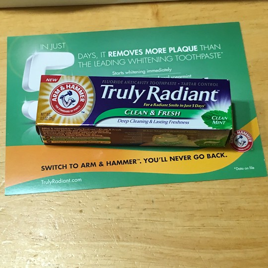Walmart Beauty Box Summer 2016 - Arm & Hammer Toothpaste