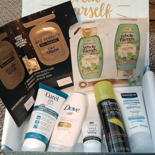 Walmart Beauty Box Winter 2016 - Trendsetter